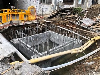 温岭东辉小区 开始装电梯了,估计二手房价要涨