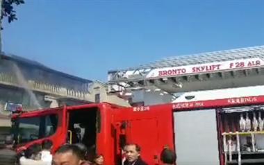突发!绍兴一大别墅突然起火,现场消防紧急抢救!