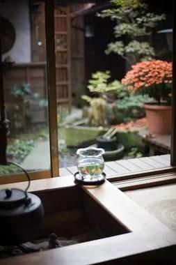 一方庭院深幽处,半卷闲书一壶茶