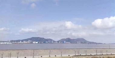 普陀区4A景区旁一线海景一万一平。