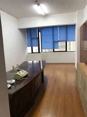佳艺广场写字楼五楼出租!!!