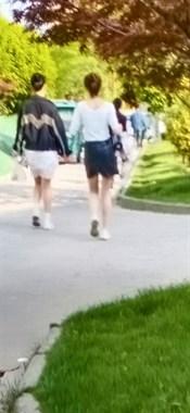 天气一热,海宁街头美女纷纷开始露腿!社友:养眼的季节到了