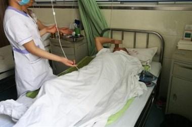 祸不单行!为了照顾住院的老伴,她自己也出了交通事故