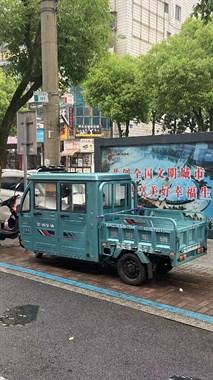 【转卖】三轮电动车出售,八成新双排座,价格面