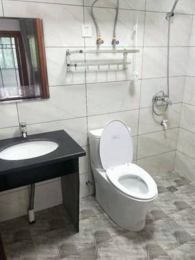 全新精装修单身公寓出租(可烧饭,独立卫生间)