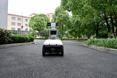 人民警察的得力助手——安防智能巡检机器人