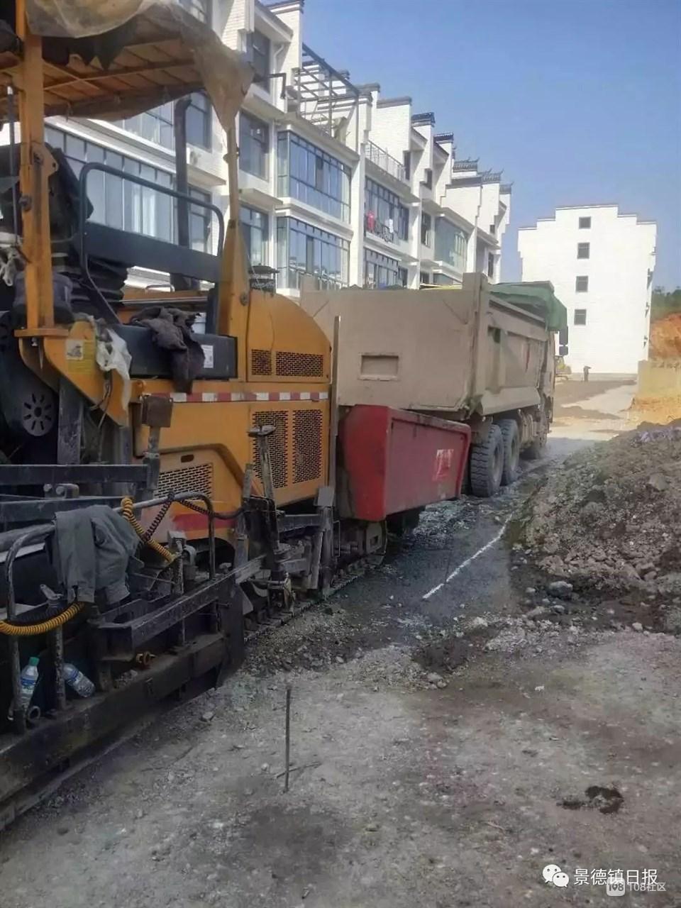 心疼!黄泥头到东一路几十辆大货车开过 还有这些道路在施工