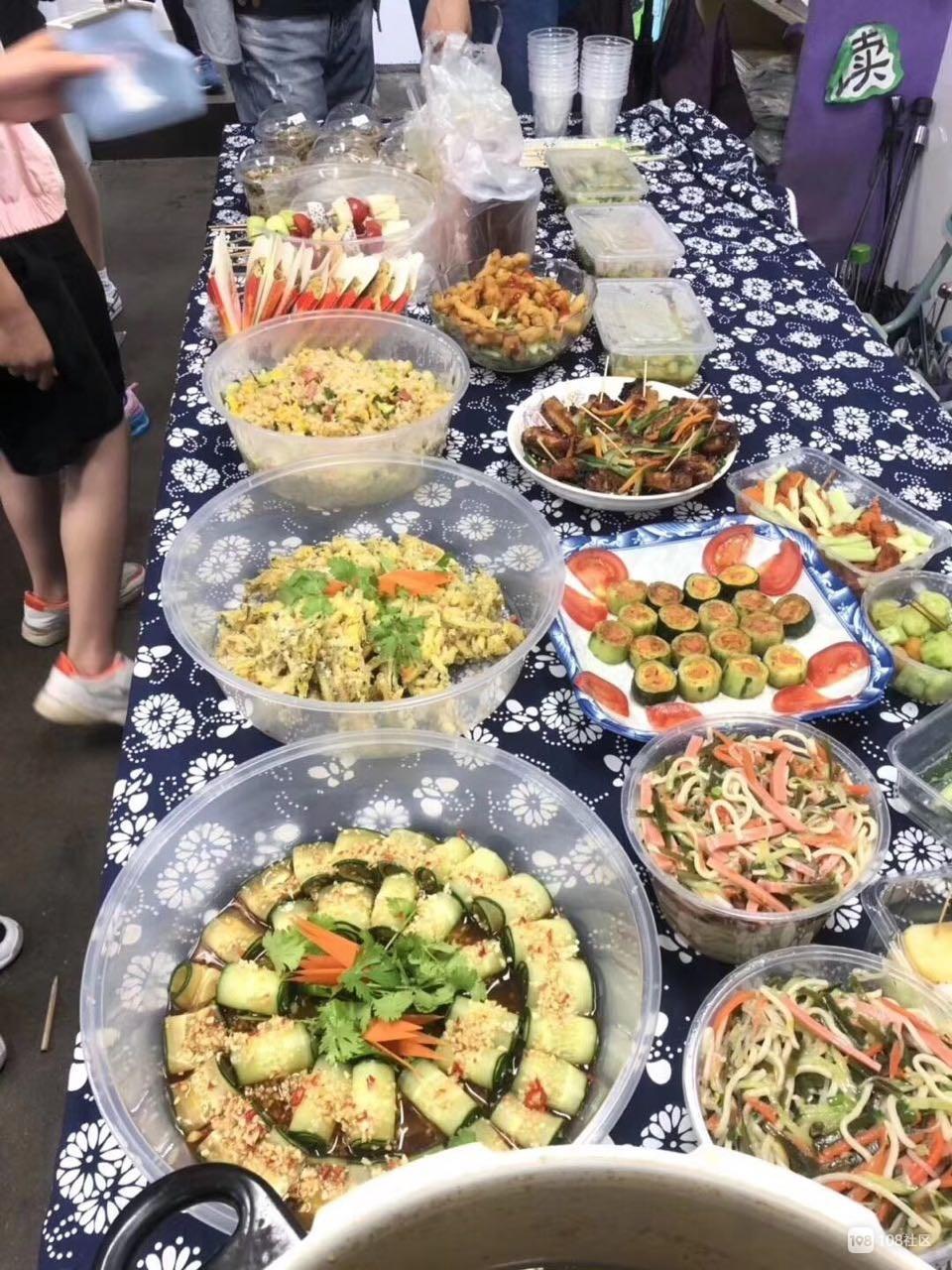 吃货天堂!儿子学校的美食节个个都是大厨级别