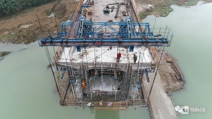 嵊州重点工程陆续复工,所有的商贸综合体开始试营业